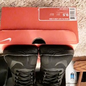 Nike Shoes - Nike Fly By Low 2 NBK......SIZE 9.5